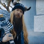 Jak powstają gitary Zakka Wylde'a? Muzyk odpowiada żartobliwym filmem