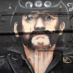 Niesamowity mural z podobizną Lemmy'ego. Trafił na ścianę klubu…